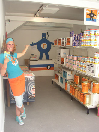Les Requins Marteaux, Supermarché Ferraille, Exposition à Pollen, Monflanquin, 2004